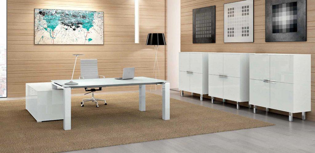 La nuova norma UNI/TR 11654:2020: via libera al bianco per le scrivanie ufficio